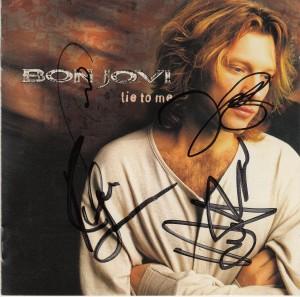 lie_autograph1